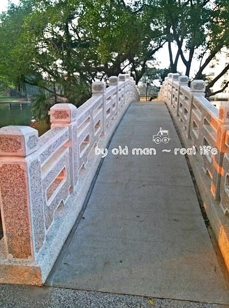 中大湖的橋3