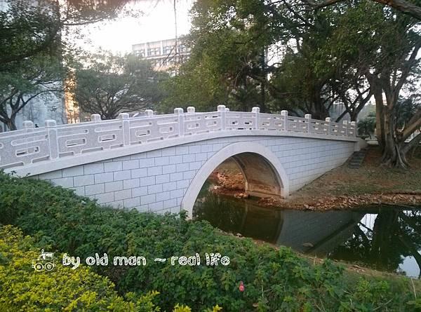 中大湖的橋