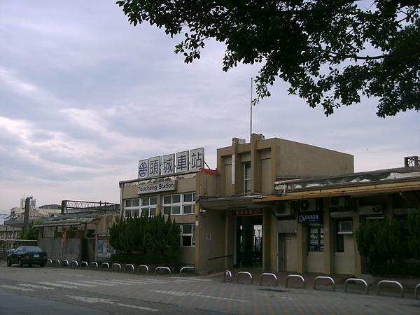 一大早冷清的頭城火車站