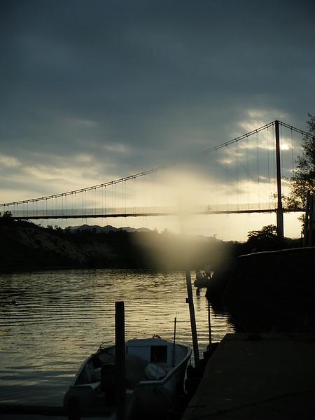 福隆龍門吊橋的夕陽