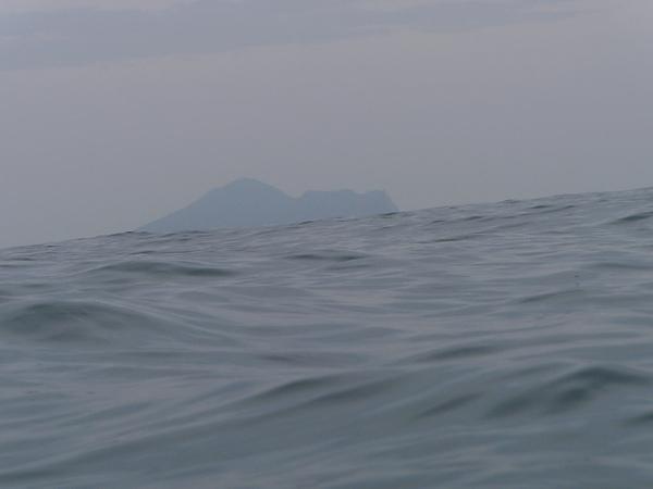 在海中勉強穩定身體拍的~