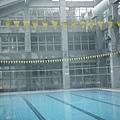 室外氣溫越低,室內泳池泳溫相對就越高~