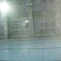 起大霧的泳池有一種曚曨美~