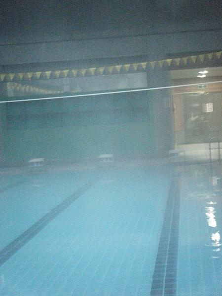 好像來到了史蒂芬金的驚悚片場景裡~濃霧驚魂XDD