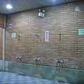 明亮的第二淋浴間,還有第三淋浴間哦!