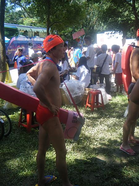 除了泳渡,也參加過不少次泳渡救生小組