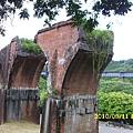 龍騰斷橋在民國24年的關刀山大地震中嚴重損毀不堪修復。