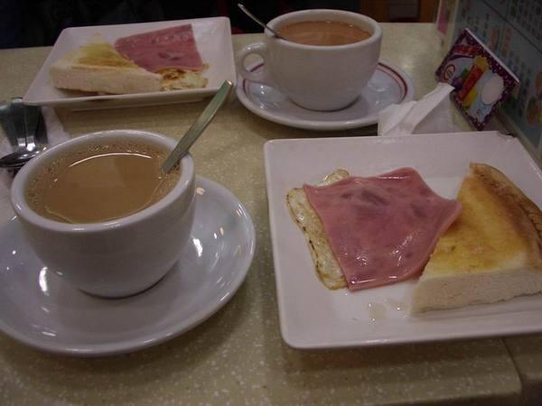 第一天的早餐(如果沒有記錯的話)