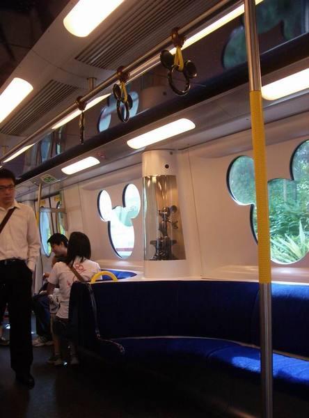 迪士尼列車內裝