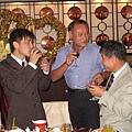 志雄哥哥及老公和公公一起喝酒