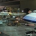 終於飛了9個小時,到達了溫哥華的機場