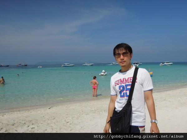 外國人的海灘,我覺得比較乾淨…