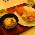 洞爺湖的晚餐,很豐勝呢~是日式buffee