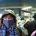 準備要去看函館夜景啦~包的跟熊一樣