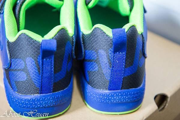 球鞋.JPG