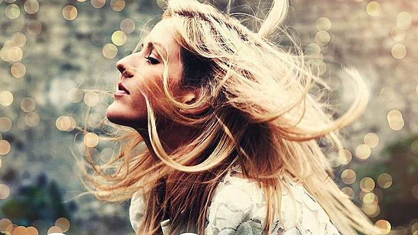 Music_Singer_Ellie_Goulding_047147_