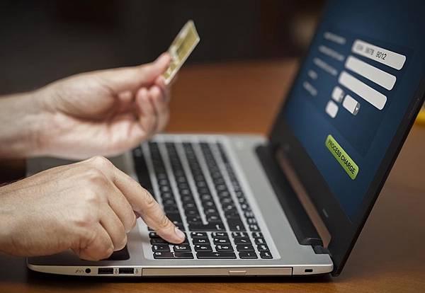 線上刷卡換現金最便利