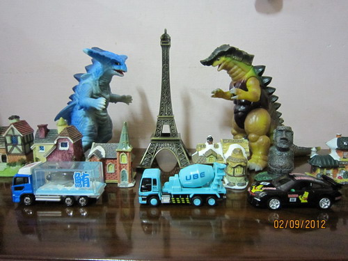 巴黎鐵塔怪獸場景1-拉格拉斯vs古爾蠻迪