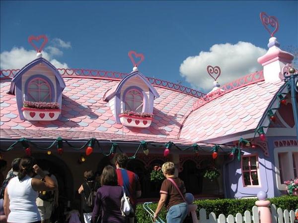 minnie's home.jpg