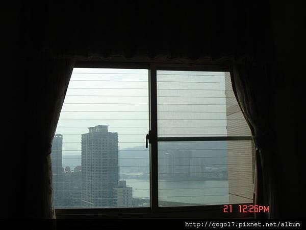 高雄市隱形鐵窗.JPG