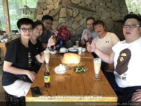 107.9.5香港張小姐6人高雄包車遊1.jpg