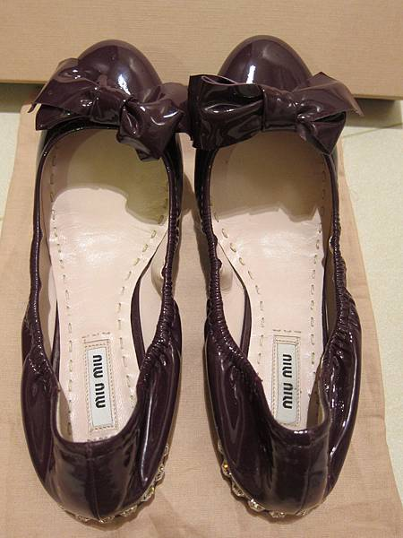 MIUMIU鞋  (9).JPG