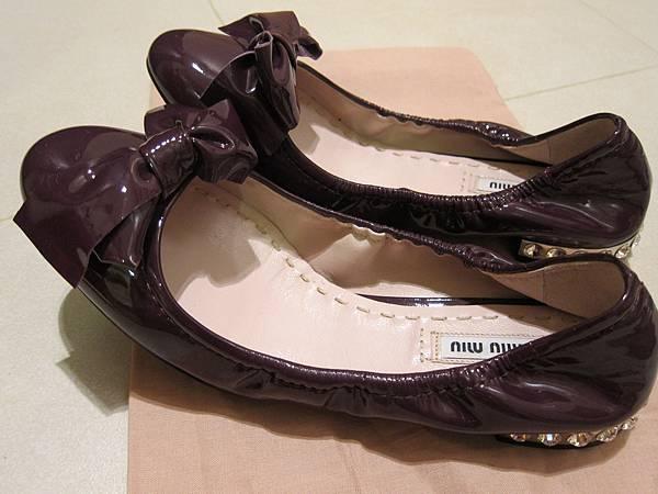 MIUMIU鞋  (11).JPG