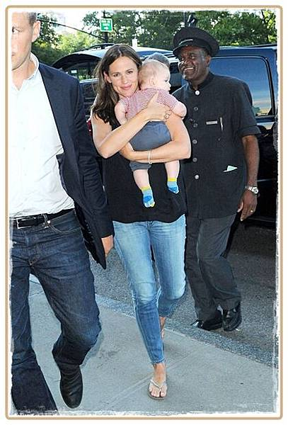 jennifer-garner-citizens-jeans1