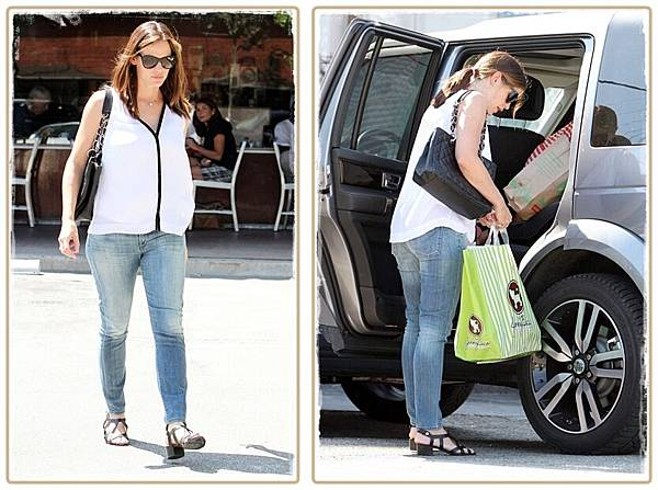 jennifer-garner-citizens-jeans-2-horz