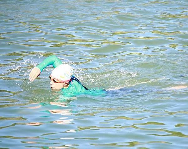 20140906青潭堰 游泳照 (19) 拷貝