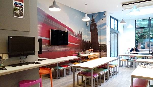 kings_London_main_campus_student lounge.jpg