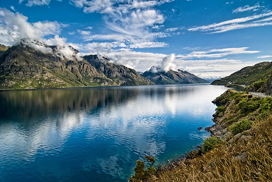 wakatipu_lake.jpg