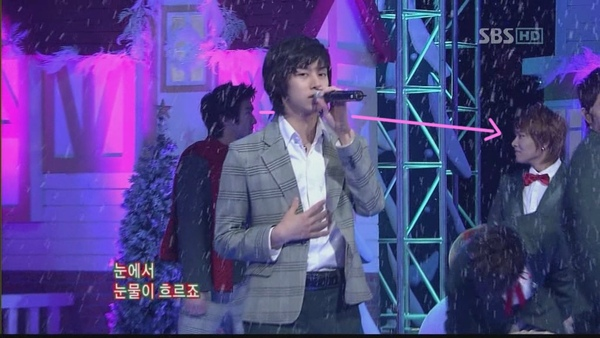 071223 SBS 人氣歌謠-Marry U(a-heung)[(000410)19-49-34].JPG
