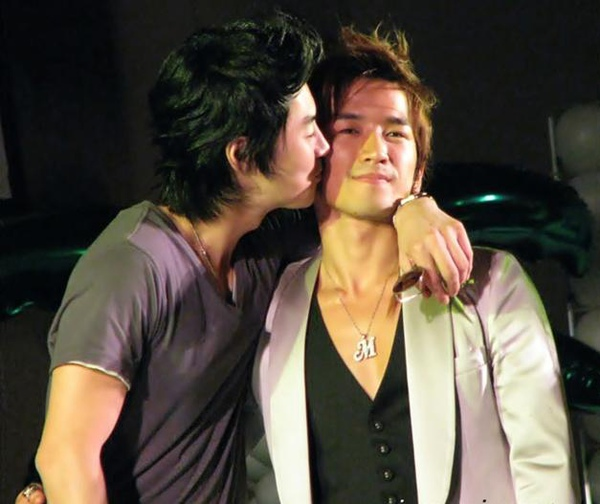 jun jin kiss min woo.JPG