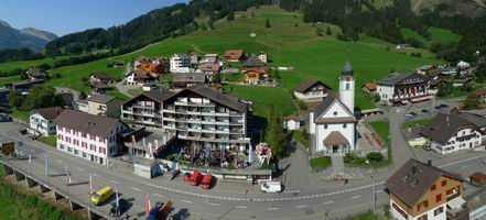 HTMi 瑞士飯店管理大學