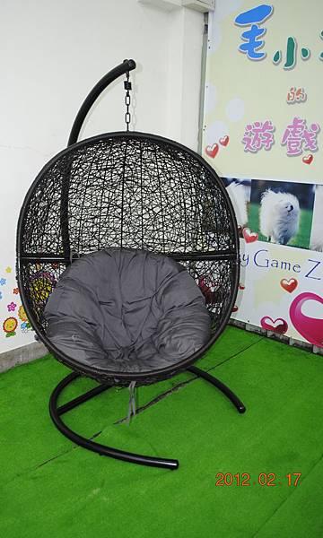 蛋形椅.JPG
