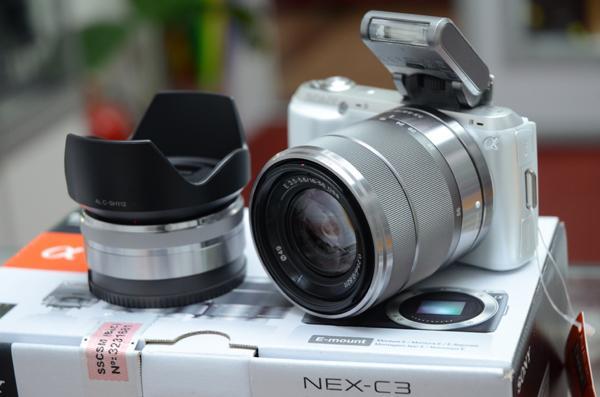 dslr-quality-white-sony-nex-c3-18-55mm-16mm-nex-c3-twin-lens-1112-07-shlow1819@1.jpg