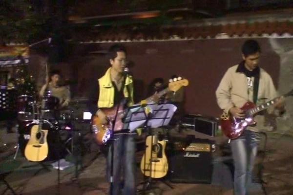 Tony 彈 Bass ... ~