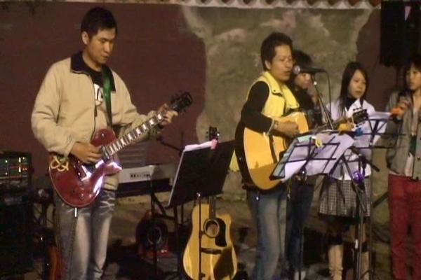 唐尼樂器吉他手 - 1