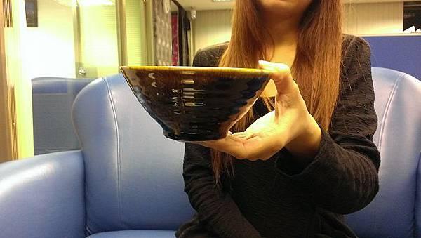 「拿碗」的圖片搜尋結果
