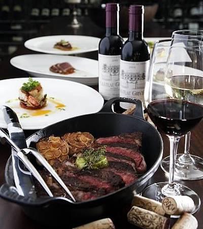 牛排搭配紅酒是西餐的重要元素.jpg
