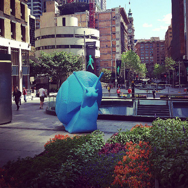 24-giant-fluorescent-snails-scattered-around-sydney-90154