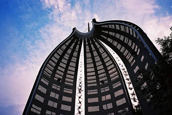 臺灣臺中縣大里二二八紀念碑_228_Memorial_Park_in_Taichung,_TAIWAN