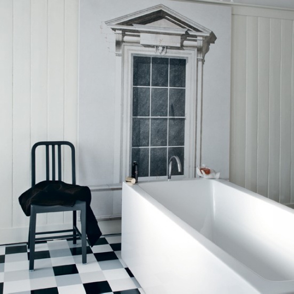 Traditional-black-and-white-bathroom-5