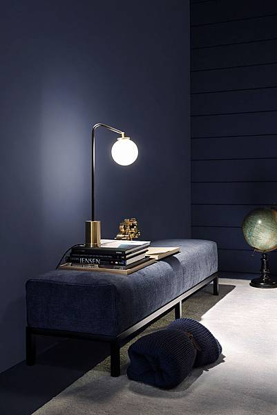 StyleMinimalism_Home_Inspiration_Decorating_With_Velvet_003.jpg