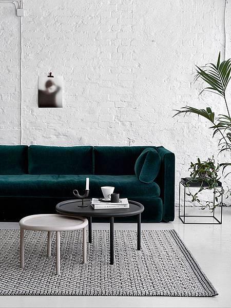 StyleMinimalism_Home_Inspiration_Decorating_With_Velvet_001.jpg