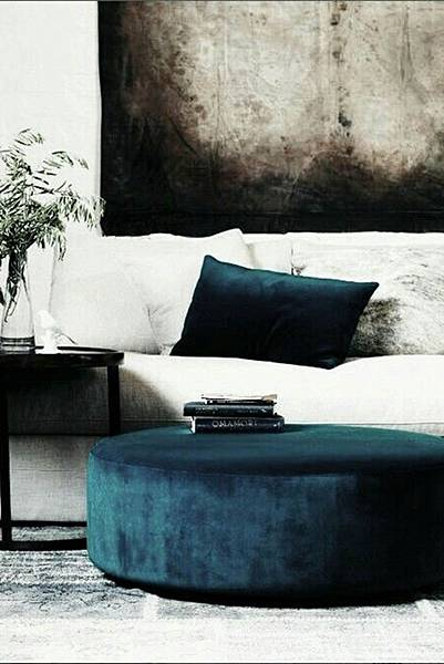 StyleMinimalism_Home_Inspiration_Decorating_With_Velvet_012.jpg