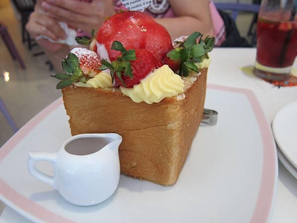 台南Dazzling Cafe
