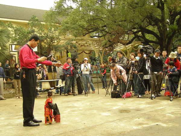 田都元帥為攝影機祈福