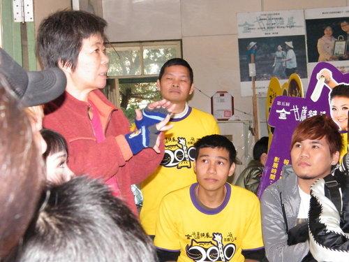 ap_F23_20100110100216908.jpg